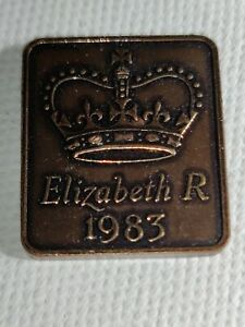 1983 ROYAL MINT PROOF YEAR MEDALLION MEDAL TOKEN   ELIZABETH II