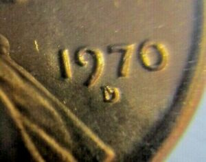 ERROR 1970 MINT SET   THE D ON CENT HAS A ONE OVER IT