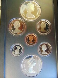 SILVER CANADA DOUBLE DOLLAR PROOF SET 1982 IN CASE BISON SILVER DOLLAR NICE