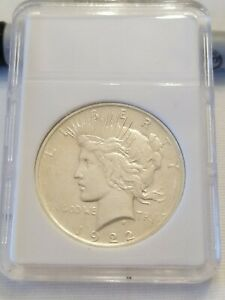 1922 P PEACE SILVER DOLLAR 90  COIN ALMOST UNCIRCULATED AU IN SLAB UNGRADED  122
