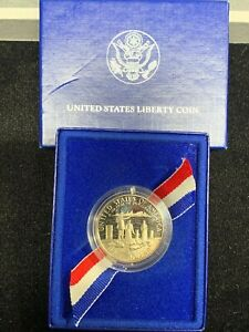 UNITED STATES MINT 1986 NATION OF IMMIGRANTS COMMEMORATIVE HALF DOLLAR
