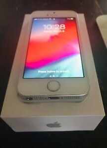 APPLE IPHONE SE 32G SILVER. . NO LCD SPOTS 32GB.
