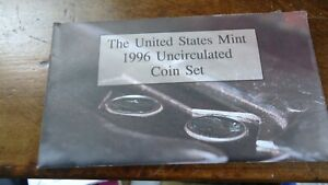 UNITED STATES MINT 1996 UNCIRCULATED COIN SET WITH THE 1996  W ROOSEVELT DIME.