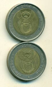 2 DIFFERENT BI METAL 5 RAND COINS FROM SOUTH AFRICA DATING 2004 & 2007