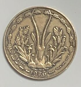 1976 WEST AFRICAN STATES 10 FRANCS KM1A CIRCULATED CONDITION