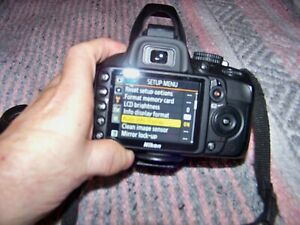 NIKON D D3100 14.2MP DIGITAL SLR CAMERA WITH EXTRAS