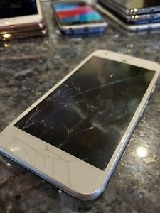 GOOGLE PIXEL   32GB   SILVER  VERIZON  SMARTPHONE  DOESN'T POWER ON CRACKED