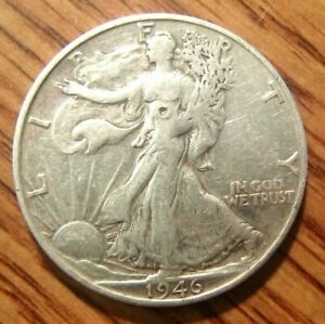 1946 S LIBERTY WALKING SILVER HALF DOLLAR CIRCULATED COIN SOME SMALL DINGS 2
