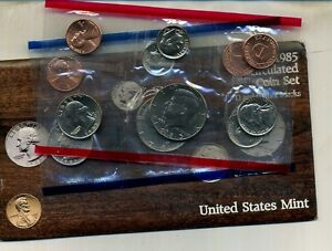 1985 P AND D UNITED STATES MINT SET