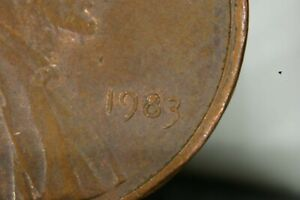 1983 P LINCOLN PENNY ERROR COIN OBVERSE DIE CHIP IN DATE 8