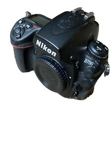 NIKON D700 SLR 12.1MP FULL FRAME BODY WITH LITHIUM BATTERY AND STRAP