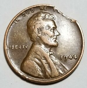 1944   LARGE CURVED CLIP   LINCOLN WHEAT CENT MINT ERROR LOT 5043