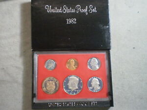 1982 UNITED STATES PROOF SET IN ORIGINAL BOX/ GREAT STOCKING STUFFER