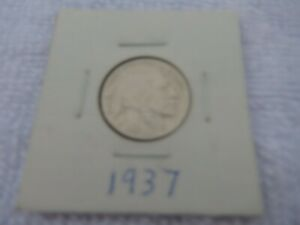 1937 BUFFALO NICKEL CIRCULATED   PERFECT FOR COIN BOOKS