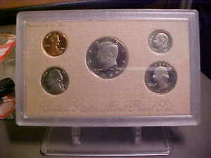 1988 PROOF SET ON ERROR 'BACKING' FROM US MINT   W/BOX AND SPEC CARD