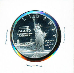STATUE OF LIBERTY    COMMEMORATIVE SILVER DOLLAR IN MYLAR HOLDER PROOF