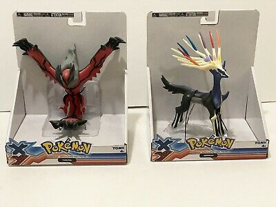 Pokemon XY Figure Xerneas and Yveltal, Brand New In Box Tomy