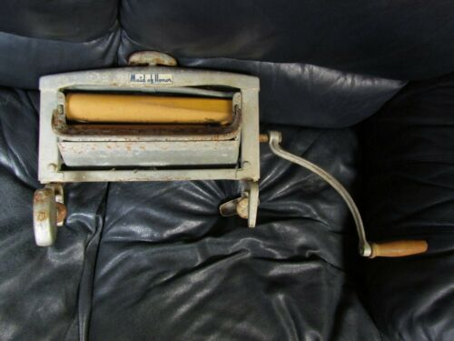 Vintage Antique Hand Crank Clothes Wringer Maid of Honor