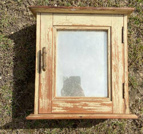 Vintage Pine Medicine Cabinet with Mirror - Wall Mounted