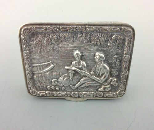 VERY GOOD VINTAGE SPANISH SOLID SILVER TABLE SNUFF BOX