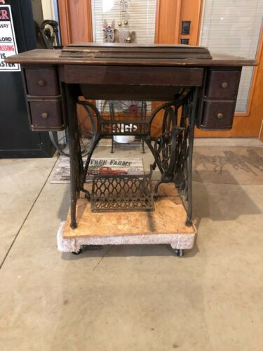 Complete Original Singer Pedal Sewing Machine with sewing machine parts box