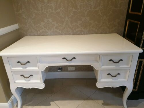 French Provincial Desk - Good condition