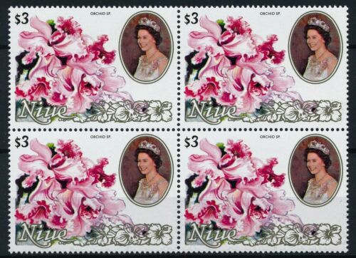 [P15704] Niue 1981 : Flowers - 4x Good Very Fine MNH Stamp in Block - $25