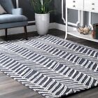 nuLOOM Contemporary Modern Chevron Wool Area Rug in Denim Blue and White