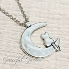 NL0413 Graceful Garden Vintage Style Cat Sitting on The Moon Pendant Necklace