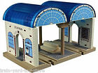 CENTRAL STATION double train track 50955 wooden railway Thomas the Tank Brio