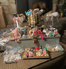 Kyпить Lot Of Costume Jewelry- 2LB+ Surprise Grab Bag; Vintage Now- Wear, Resell, Craft на еВаy.соm