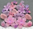 46 x mix of lucite/plastic beads 10/40 mm 24 gms  PURPLE, PINK FLOWERS  Pack 28