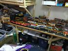 HUGE MIXED LOT HO SCALE TRAIN CARS,ENGINES,TRACK,BUILDINGS&MORE