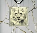 LIONESS IN HUNTING PENDANT NECKLACE -yut3Z